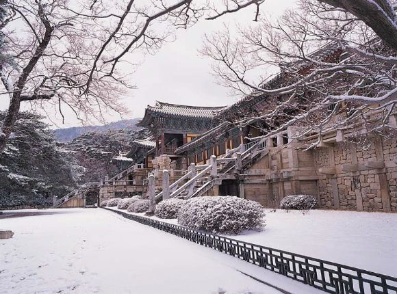 Winter in Pulguksa Temple, Korea